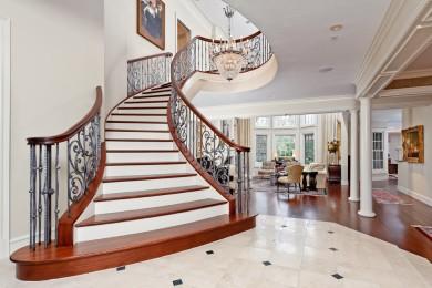 Изогнутые лестницы