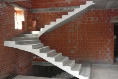 П-образная лестница