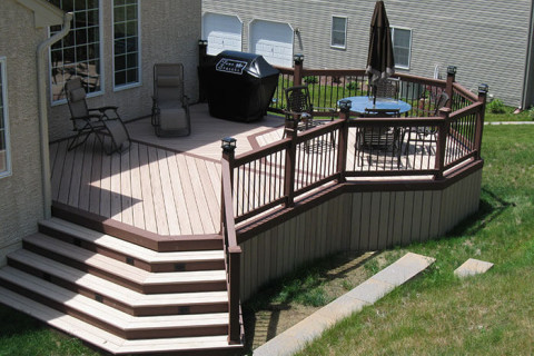 composite-outdoor-deck-stairs-970f37a